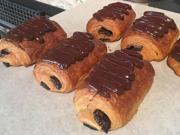 Chocoladebroodjes van Bas Bakt