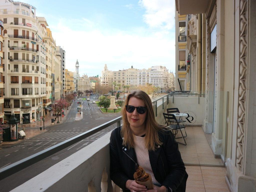 Balkon Kim Valencia