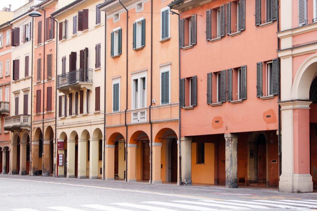 Bologna roze huizen Marjet Wullinkg van bureau Bold