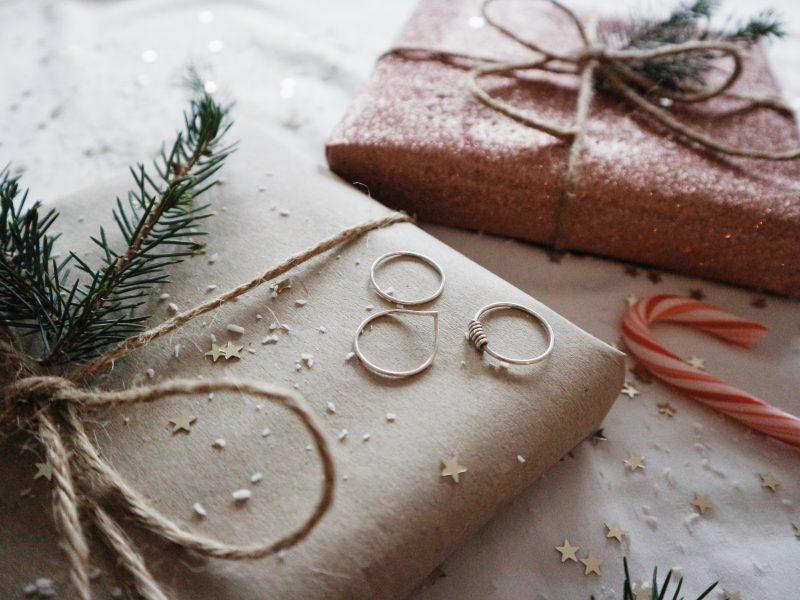 Christmas giveaway: AnologyStudio jewelry