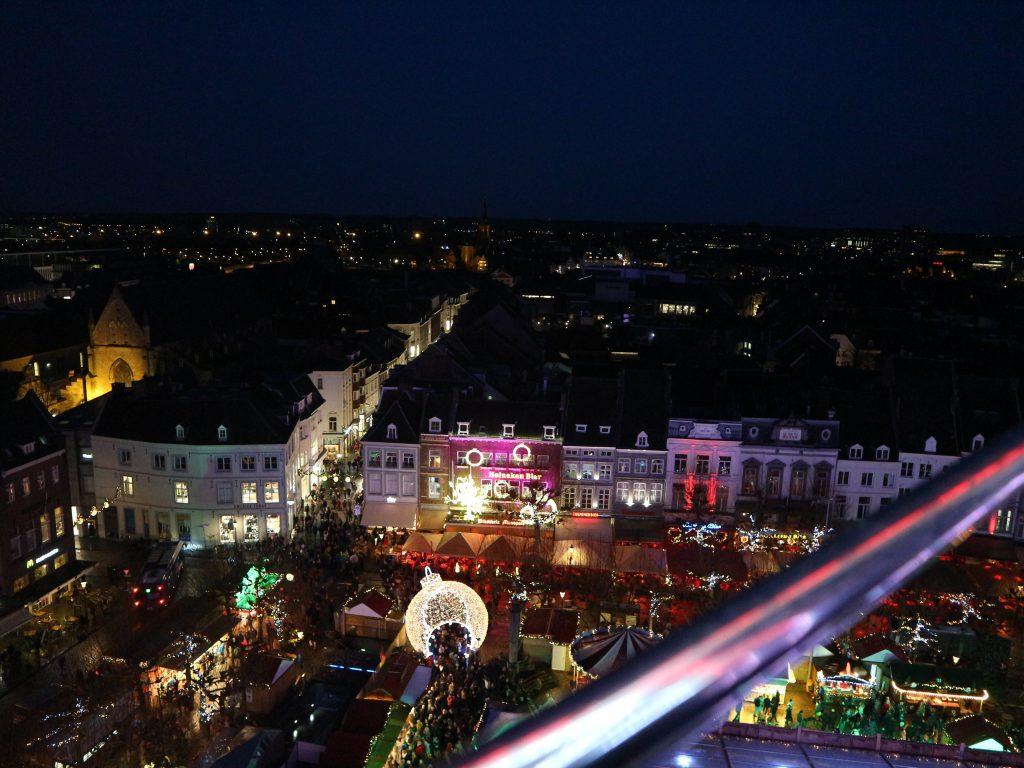 Maastricht reuzenrad kerststad