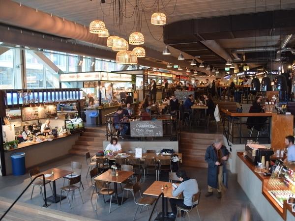 Market 33: Urban foodcourt op de Zuidas