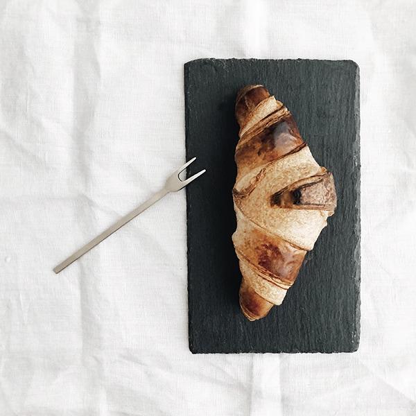 Ontbijt met croissant Wen van beeldSTEIL