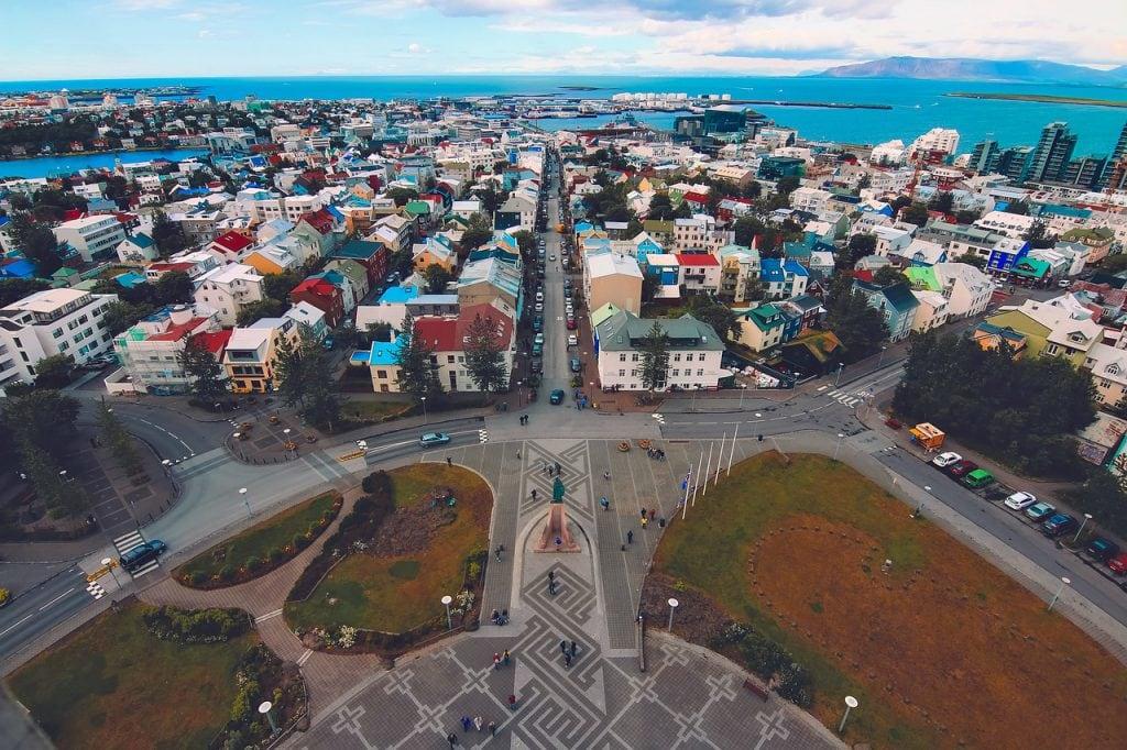 Reykjavik uitzicht over stad