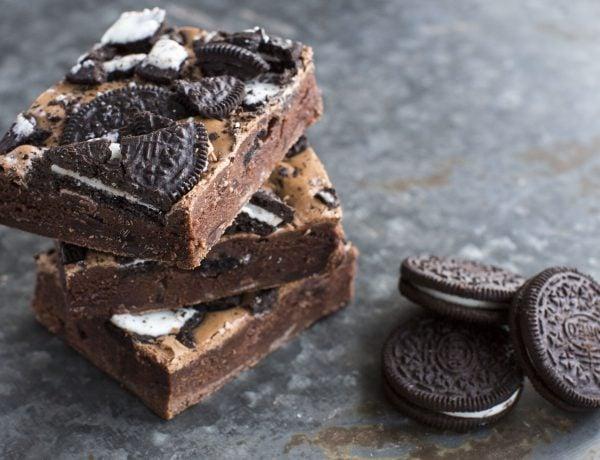 brownie oreo bij Chocolade- en patisseriewinkel WALDO in Amsterdam