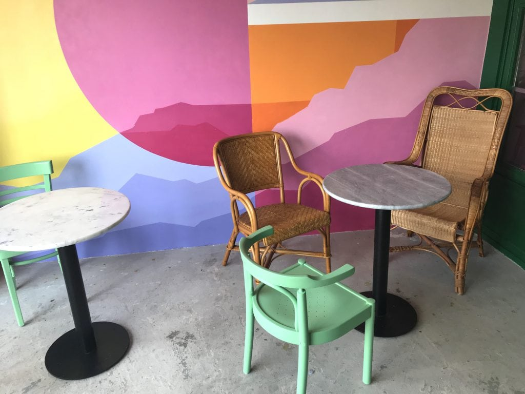 kleurrijke serre cafe Martinus Haarlem
